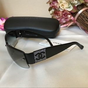 💯 Authentic CHANEL Sunglasses with Crystal Logo